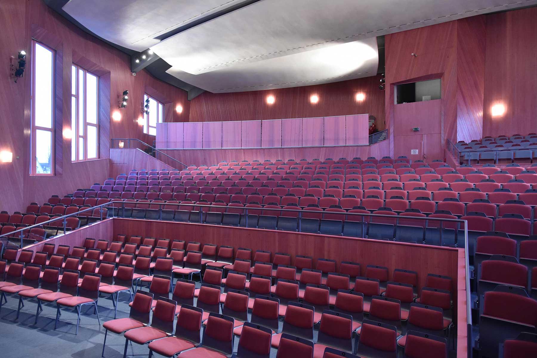 Saal - Bühne - Anthroposophisches Zentrum Kassel